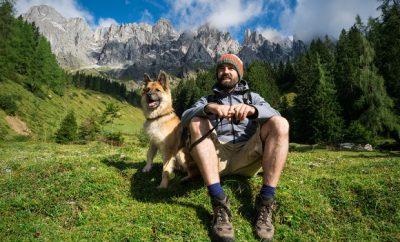 Im Urlaub mit Hund: Wann greift die Reiserücktrittsversicherung?